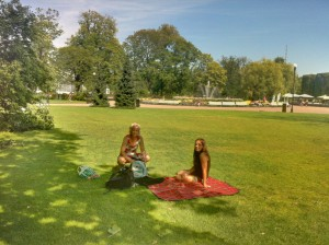 Picknick im Park (iPhone-HDR-Aufnahme)